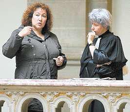 Sabine Rinckel et son avocate MeDominique Harnist, hier, à la cour d'appel de Colmar. Photo Hervé Kielwasser