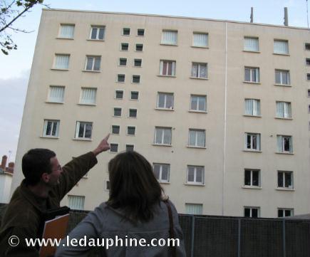 """""""VALENCE : Un arrêté municipal contre les antennes relais"""" - France 3 - Le Dauphiné Libéré - Déc. 2008"""