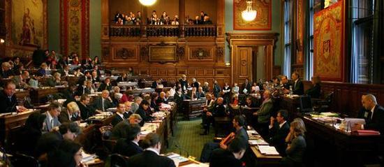 'Conseil de Paris : adoption du voeu sur les antennes-relais' - Conseil de Paris - 6, 7 et 8 Juillet 2009