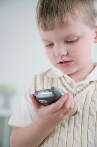 Comment les téléphones mobiles peuvent causer l'autisme - Dr Mercola - 27/11/2007