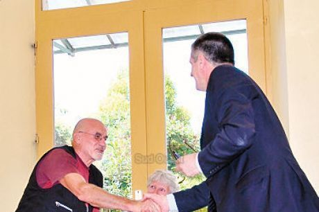 Jean Lassalle a rencontré Jean-Marc Aubry à Oloron mercredi dernier. PHOTO M. L.-L.