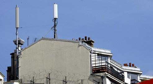 """""""Un test pour baisser la puissance des antennes"""" - Le Figaro - 05/01/2011"""