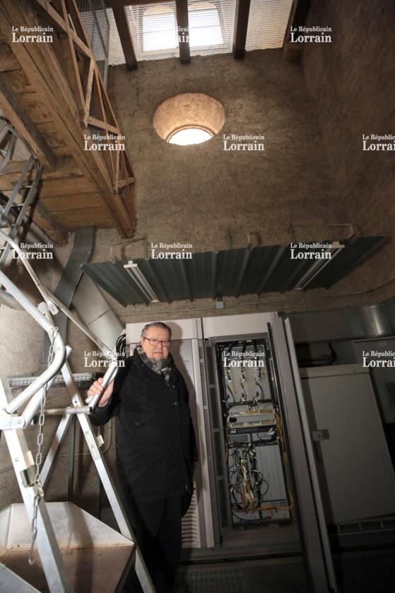 Philippe Boissé, curé de Queuleu, déplore le fait que l'argent des antennes relais installées dans les églises de Metz ne sert pas complètement à la réfection de ces dernières, comme s'y engageait la mairie à l'origine. Photo Gilles WIRTZ