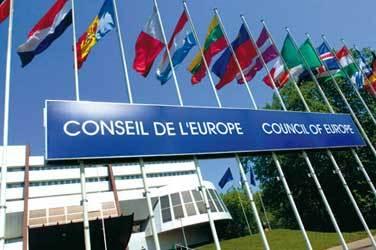 Résolution 1815 du Conseil de l'Europe : reconnaissance du danger et recommandation d'abaissement des seuils d'exposition des antennes-relais à 0,6V/m puis 0,2V/m - mai 2011