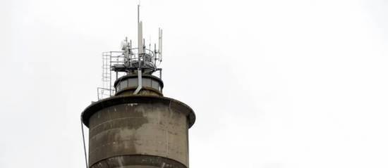 Les antennes-relais sont soupçonnées de favoriser l'apparition de cancers. © Jean-Pierre Muller / AFP
