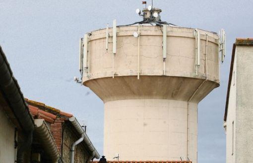 La mairie et l'agglo vont-elles reconduire les contrats avec SFR et Bouygues par-dessus la tête des Villeneuvois ?  © Harry Jordan