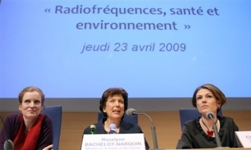"Grenelle des ondes : ""de l'affichage"" selon l'organisation Robin des Toits - AFP"