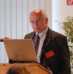 """LETTRE DE SOUTIEN DU PROFESSEUR ADLKOFER à l'association """"Une Terre pour les EHS"""" (électro-hypersensibles) - 12/07/2011"""