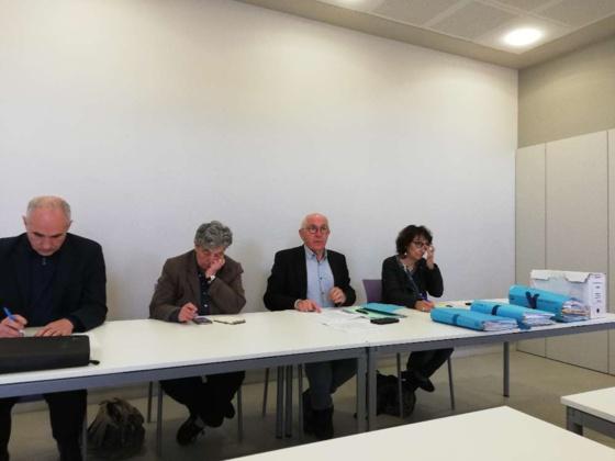 Le maire de Bayonne Jean-René Etchegaray, accompagné d'élus de la majorité et de l'opposition, dénoncent les agissements d'Enedis CRÉDIT PHOTO : P. S.