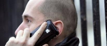 Téléphone mobile : Bruxelles invité à agir contre le danger des ondes - Challenges - 11/10/2011