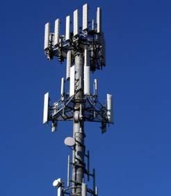 """""""Thionville : des habitants protestent contre l'installation d'antennes-relais Free"""" - Maxisciences - 10/01/2012"""