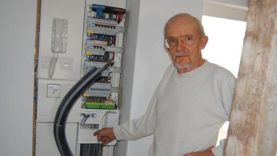 Daniel Campan ne voulait pas installer le compteur Linky, par précaution pour ses locataires./ Photo DDM, Jean-Marc Thanry