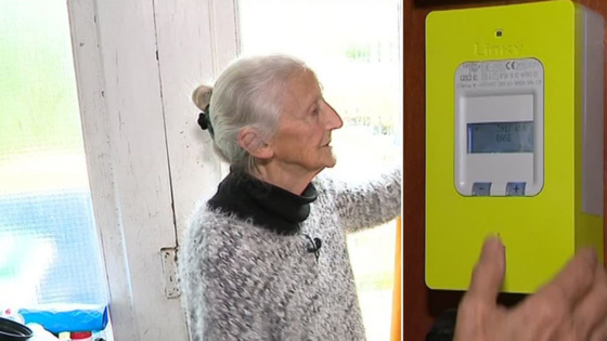 """""""Ma facture est quadruplé"""" : à 85 ans, elle se bat contre son compteur Linky"""