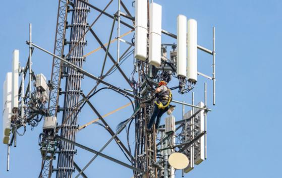 L'initiative fédérale «Pour une téléphonie mobile respectueuse de la santé et économe en énergie» est lancée. Image: archive/photo d'illustration/Keystone