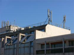 Antennes-relais, désobéir pour assurer la précaution ! - gabrielamard.fr - 16/03/2012
