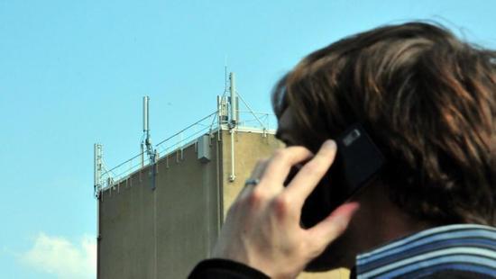 Le collectif 81 met en garde contre les risques sanitaires liés aux antennes relais./ Photo DDM,Florient Raoul
