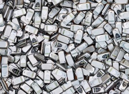 """""""Ondes électromagnétiques : vers un nouveau scandale sanitaire ?"""" - Bastamag - 25/10/2011"""