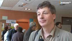 VIDEO : Robin des Toits soutient Charte pour limiter les seuils d'exposition des antennes-relais à 0,6V/m -  Normandie TV - 14/06/2012