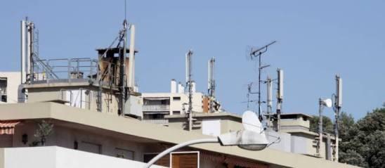 Une cartographie des antennes-relais est disponible sur antennesmobiles.fr ou cartoradio.fr. © Bruno Bebert / Sipa
