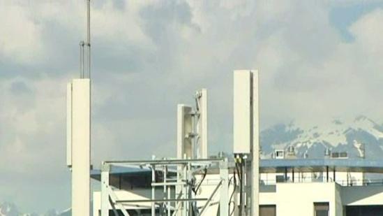 VIDEO : Les antennes relais indésirables dans le quartier Beauvert de Grenoble (Isère) - France 3 - 13/06/2013