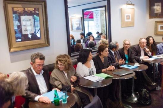 De gauche à droite) Les députés européens Yves Cochet (EELV) et Corinne Lepage (Cap 21), les sénatrices Leila Aïchi (EELV) et Chantal Jouanno (UDI), et l'ex-ministre de l'Ecologie Delphine Batho lors d'une conférence de presse, le 17 septembre 2013 à Paris (Photo Fred Dufour. AFP)
