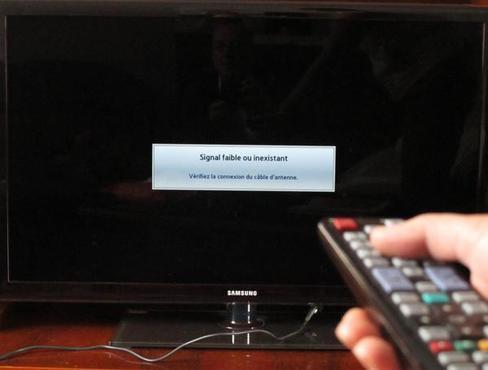 Les Castelroussins qui ne reçoivent plus les images de télé via leur antenne râteau depuis mercredi, doivent contacter l'Agence nationale des fréquences. La panne peut être liée au réseau 4G.