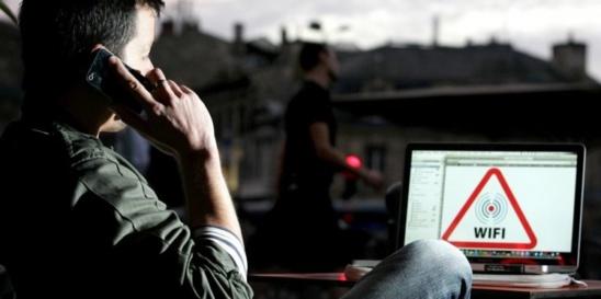 """Jeudi, le projet de loi visant une """"sobriété"""" dans l'exposition aux ondes électromagnétiques de la député EELV Laurence Abeille sera débattu à l'Assemblée nationale © Photo archives Quentin Salinier"""