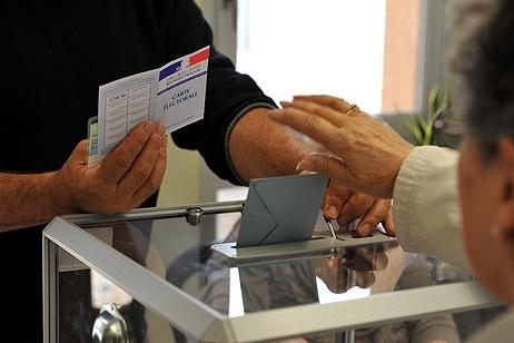 Urne de vote pour les élections  © MaxPPP