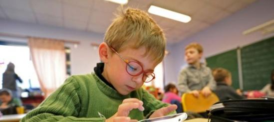 Le wifi ne sera pas interdit dans les écoles maternelles.