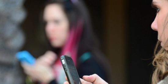 Certaines personnes sont hypersensibles aux ondes électromagnétiques issues des appareils électriques sans fil © AFP FREDERIC J. BROWN