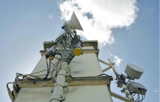 Quelque 100 000 antennes-relais ontété installées en France pour la téléphonie mobile. - MEIGNEUX / SIPA