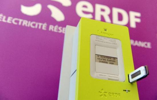 """Le compteur électrique intelligent """"Linky"""" présenté à Tours le 18 mars 2009 - AFP"""