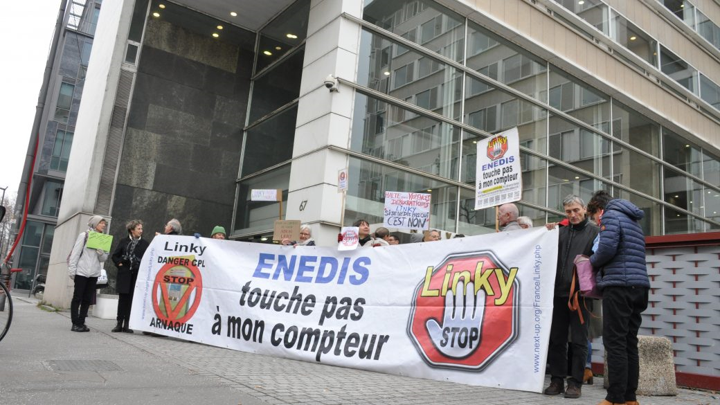 Manifestation contre la pose des compteurs Linky. (Photo : Clémence Beyrie).