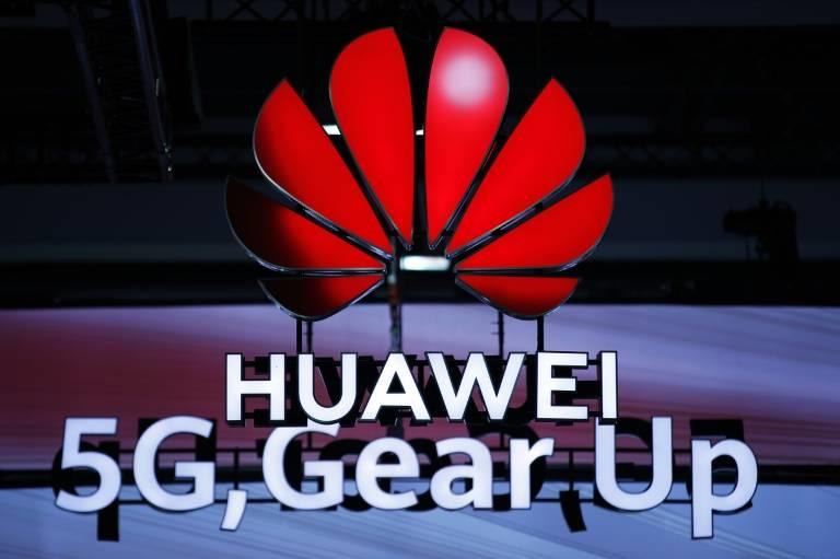 Le géant chinois des télécoms Huawei annonce avoir passé la barre des 400.000 antennes 5G dans le monde auprès de 56 opérateurs ayant déjà entamé le déploiement du nouveau réseau mobile ( AFP / STEFAN WERMUTH )