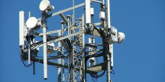 Une antenne-relais de téléphonie mobile. | Elsie esq./Flickr