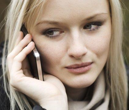 'Utiliser son portable 30 minutes par jour double le risque de cancer du cerveau' - Femina - 14/05/2014