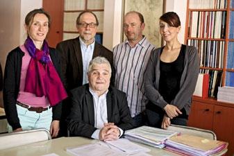 Le pr Dominique Belpomme et son équipe. © Nadji