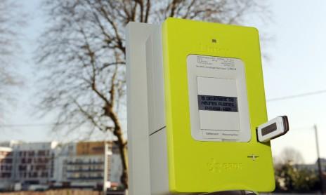 Un compteur intelligent Linky à Tours, le 18 mars 2009 (ALAIN JOCARD/AFP)