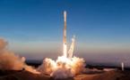 Starlink : Elon Musk dévoile la grappe de nano-satellites qu'il va disperser lors de son prochain tir d'essai - journaldugeek.com - 14/05/2019