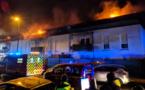 Le feu a détruit 700m² hier soir. / © F3 Nouvelle-Aquitaine