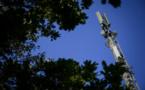 Des antennes 5G ont été prises pour cible au Royaume-Uni. - FABRICE COFFRINI / AFP