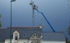 """""""Ondes électromagnétiques : un rapport préconise de multiplier les antennes-relais"""" - L'informaticien - 27/08/2013"""