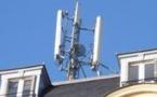 """""""Robin des toits abandonne son recours contre la charte de téléphonie mobile de Paris"""" - AFP - 04/09/2013"""