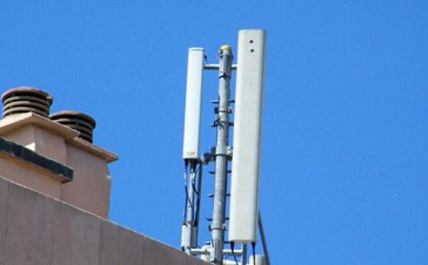 Jt reportages et magazines danger t l phone portable et for Antenne relais wifi maison