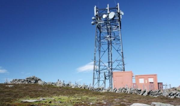 5 conflits d 39 int r t danger t l phone portable et for Antenne relais wifi maison